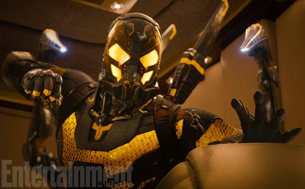 Entertainment-Weekly-Ant-Man-fights-Yellowjacket